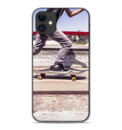 Coque en silicone Apple iPhone 11 - Skate